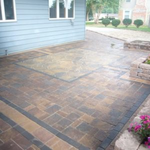 Combination paver patio with border