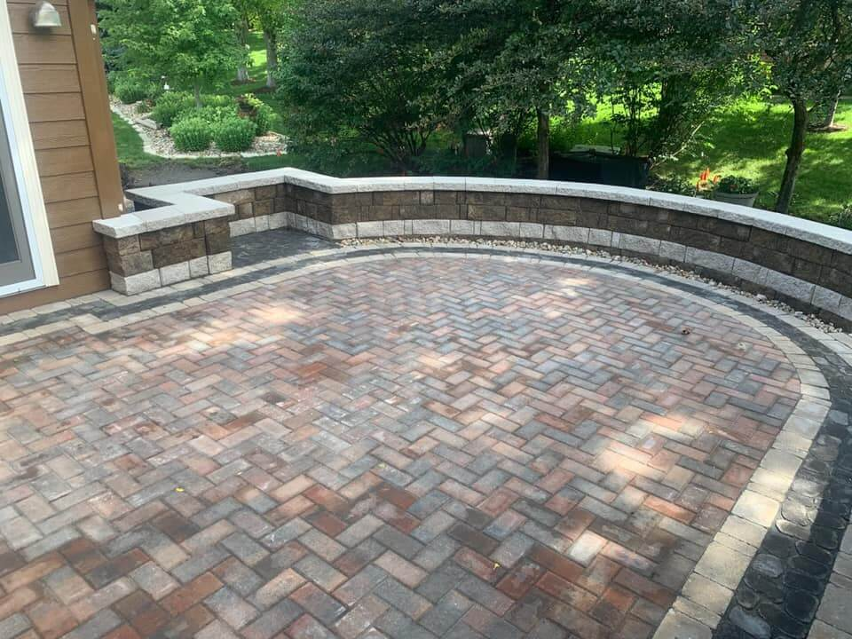 Paver patio and seating wall