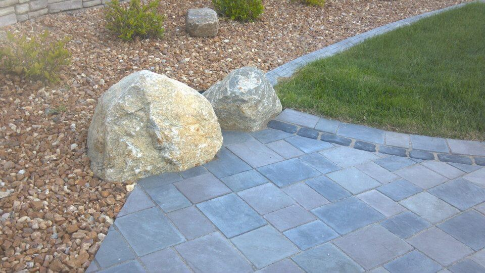 River rock stone and paver patio