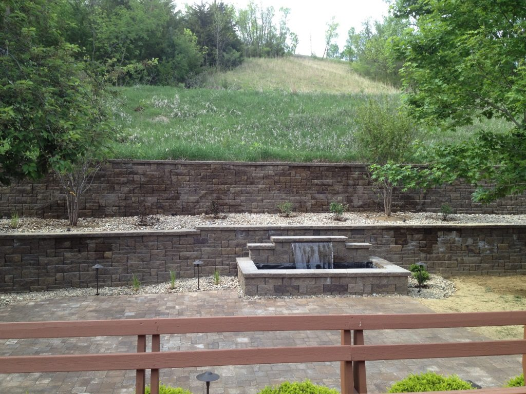 Retaining wall and water feature