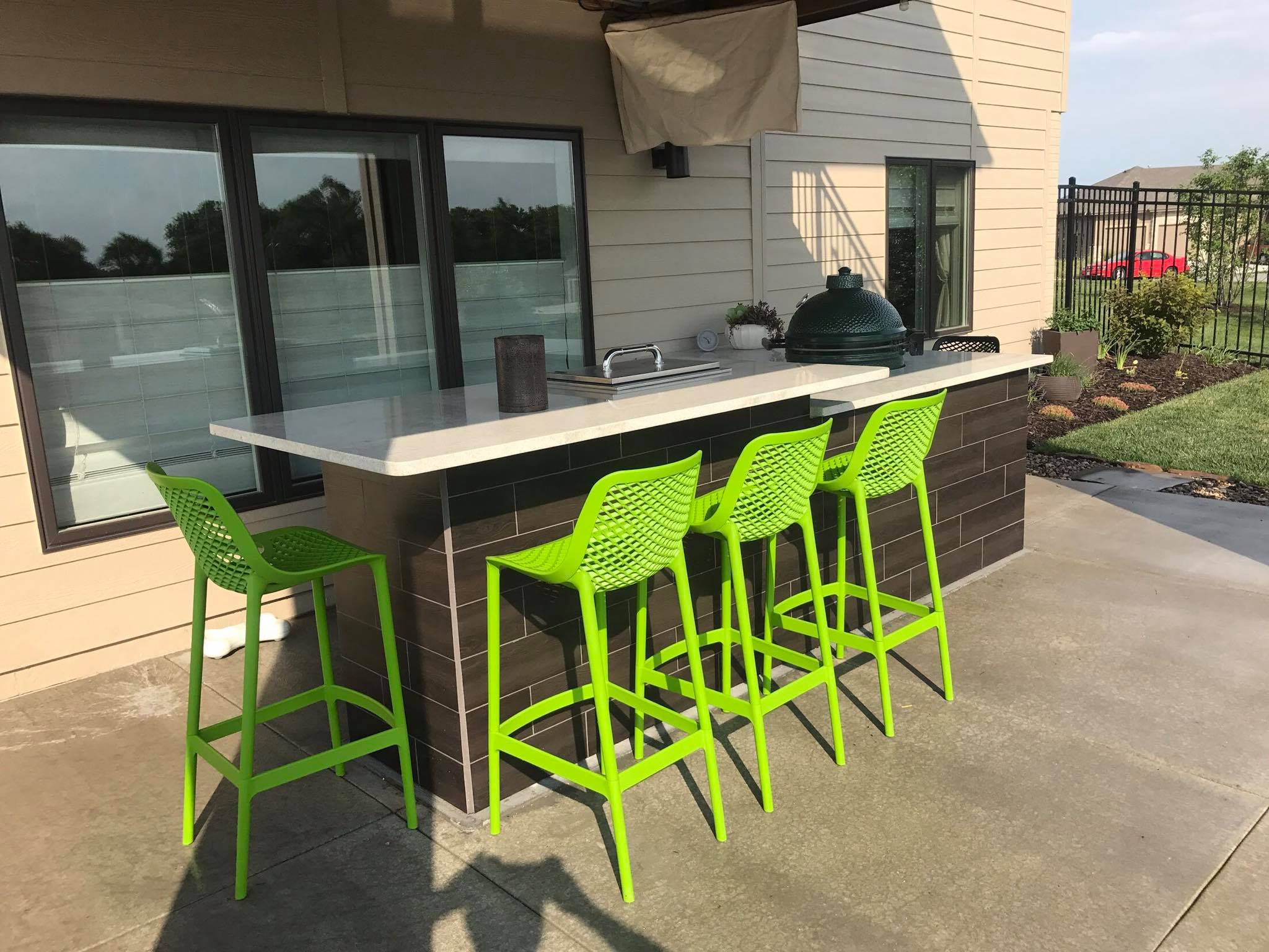 Outdoor kitchen and seating